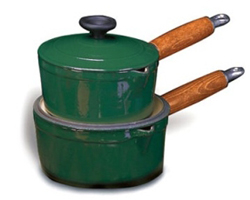 Chasseur Enamel Cast-Iron Sauce Pan with Lid, 2Qt
