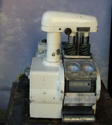 kaiser roll machine