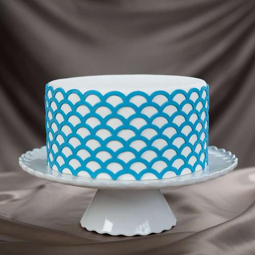 Scalloped-Lattice Cake