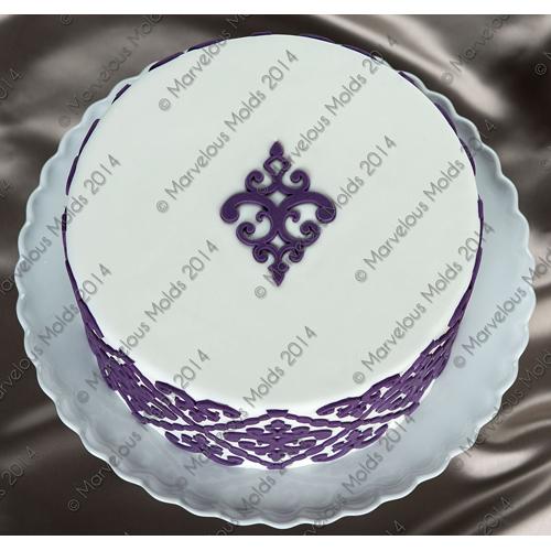 Filigree-Damask-Medallion Cake