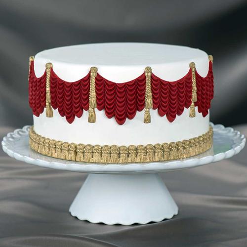 Grand-Drape-Swag Cake