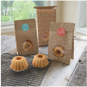 Nordic Ware Kraft Bags And Stickers For Mini Bundt Cakes