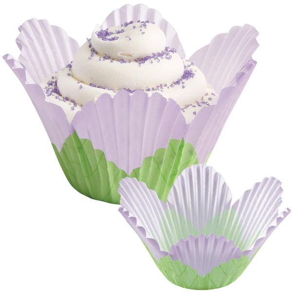 Wilton Lavender Petal Disposable Baking Cups, 24 Count 415-1442