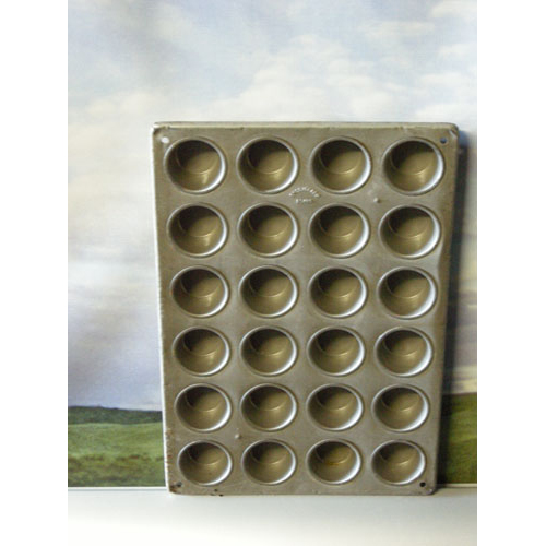 Chicago Metallic Mini Cupcake / Muffin Pan Glazed 24 Cups USED