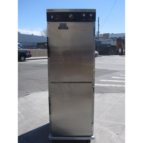 Cres-Cor Roast-N-Hold Gentle Convection Oven Model # 151F18 Used Very Good