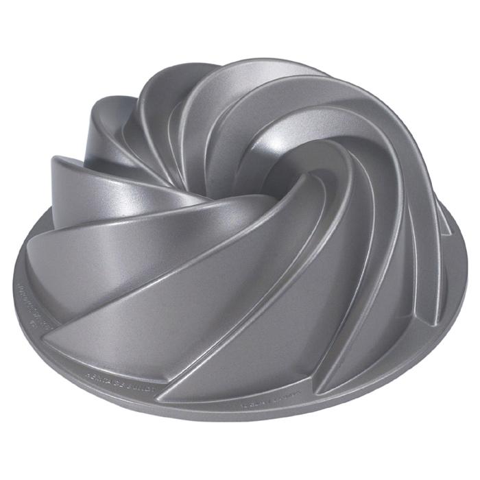 Nordicware Commercial Heritage Bundt Cake Pan, 10 cup capacity 80602