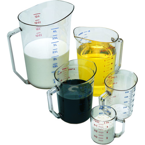 Cambro Graduated Measuring Cup, Clear Polycarbonate - 2 Quart 200MCCW135