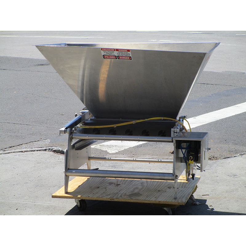 Hinds-Bock-Tabletop-Muffin-Depositor-Great-Condition Product Image 475