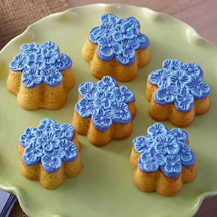 Wilton Mini Flower Shape Silicone Bake Mold 2105-4825