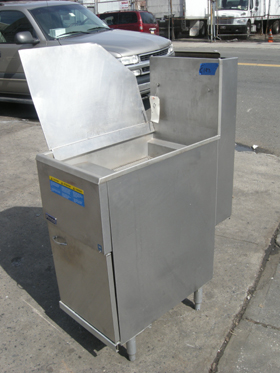 Pitco Fryer Model # 40C+SS Used Good Condition LP GAS