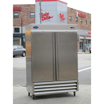 Entree CR2 2 Door Refrigerator, Very Good Condition
